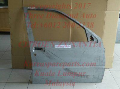 00009004E5 ZX Front Door RH